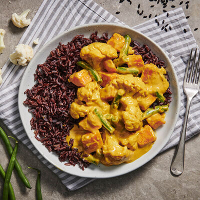 Thai Yellow Curry with Black Rice and Vegetables